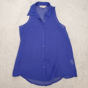 2/$20 🟠 Blue chiffon tank blouse button down
